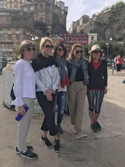 just-ladies-travleing-travelers9